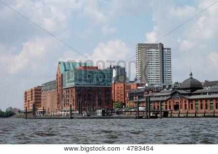 Stadtlagerhaus Und Fischmarkthalle In Hamburg