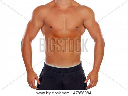 Schöner nackter Oberkörper junger Mann mit definierten Muskeln und ein piercing isoliert auf weißem Hintergrund