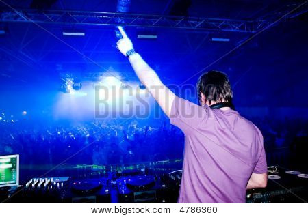 Dj At The Concert