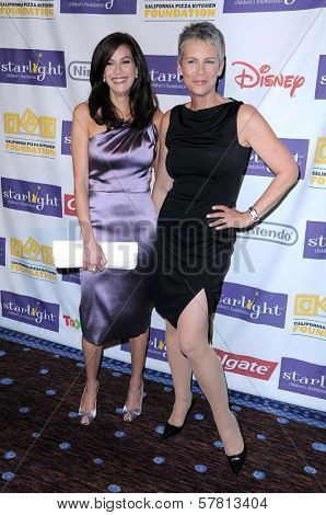 Teri Hatcher and Jamie Lee Curtis at the Starlight Children's Foundation's 'A Stellar Night' Gala. Beverly Hilton Hotel, Beverly Hills, CA. 03-27-09