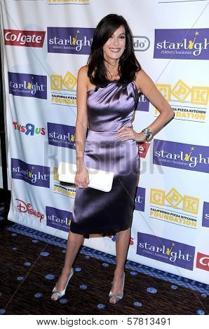 Teri Hatcher at the Starlight Children's Foundation's 'A Stellar Night' Gala. Beverly Hilton Hotel, Beverly Hills, CA. 03-27-09