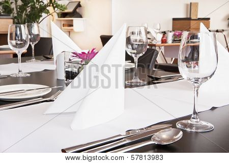 Restaurant Table Setup