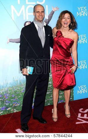 Edoardo Ponti and Sasha Alexander   at the Los Angeles Premiere of 'Yes Man'. Mann VIllage Theater, Westwood, CA. 12-17-08