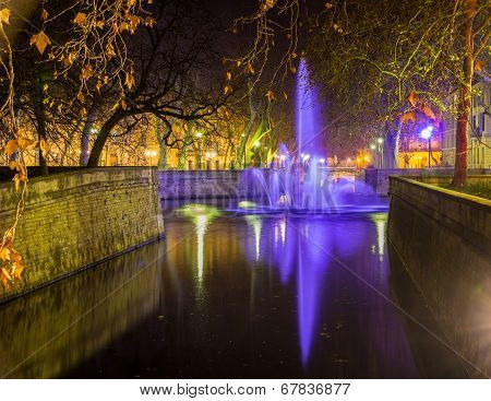 Jardins De La Fontaine In Nimes At Night - France, Languedoc-roussillon