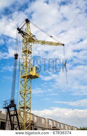 Cranes side