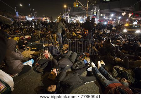 Die in along Atlantic Avenue