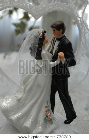 Dancing Bride & Groom Wedding Cake Topper