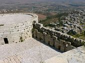 picture of crusader  - Crac de Chavelieurs, crusaders castle in Syria ** Note: Visible grain at 100%, best at smaller sizes - JPG