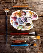 pic of putty  - Professional palette with artistic putty knife and brushes  - JPG