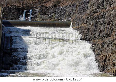 Lake spillway