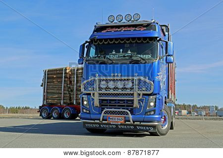 Volvo Fh16 700 Logging Truck Moving On A Yard