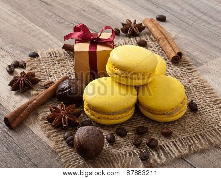 makaroons and spices, gift wrapping