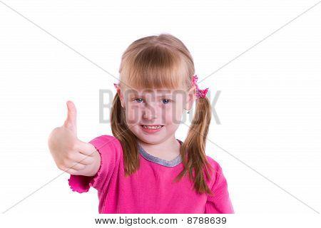 Mädchen zeigt alle ok Zeichen