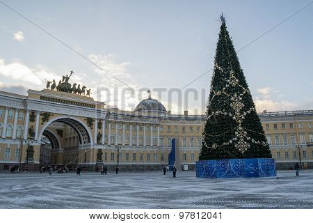 Christmas tree on Palace square in St. Petersburg