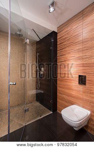 Bathroom With Wall Imitating Wood