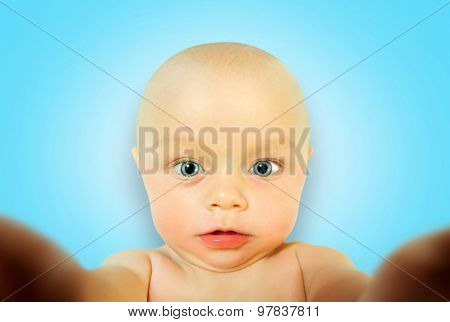 Incredible portrait of little baby boy which makes itself selfie