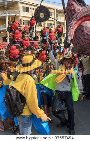 Children Perform In Sihanoukville Annual Carnival