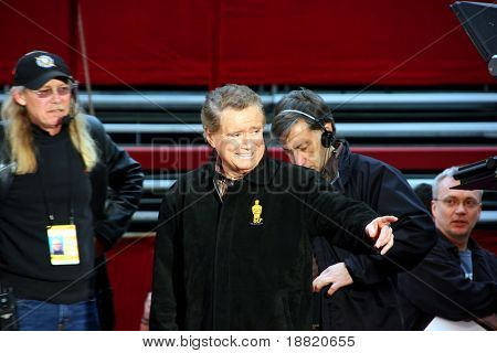 Regis Philbin at the Oscar academy award at the Kodak Theather in Los Angeles