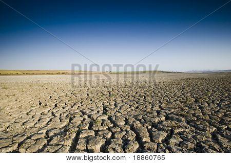 Dry Lake und tiefblauen Himmel