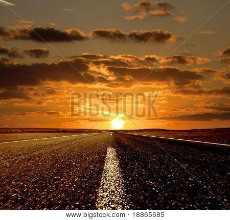 Weg in die Zukunft und den Sonnenuntergang