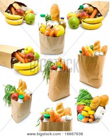 Coleção de sacolas com alimentos no fundo branco