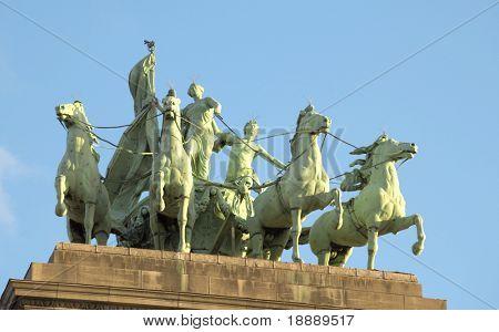 monument on Triumphal arch in the Parc du Cinquantenaire, Brussels