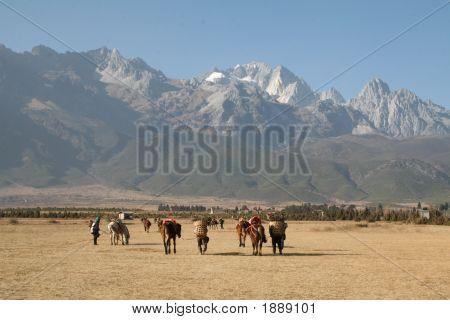 Nómadas tibetanos cerca de Shangri-La