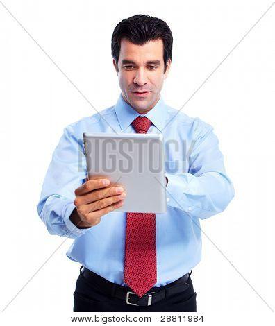 Empresario guapo feliz con tablet PC. Aislado sobre fondo blanco.