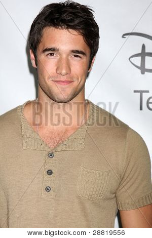 LOS ANGELES - JAN 10:  Josh Bowman arrives at the ABC TCA Party Winter 2012 at Langham Huntington Hotel on January 10, 2012 in Pasadena, CA