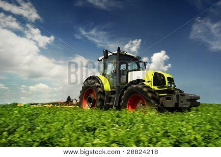 der Traktor
