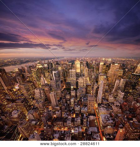 Big Apple na zonsondergang - manhattan new york nachts