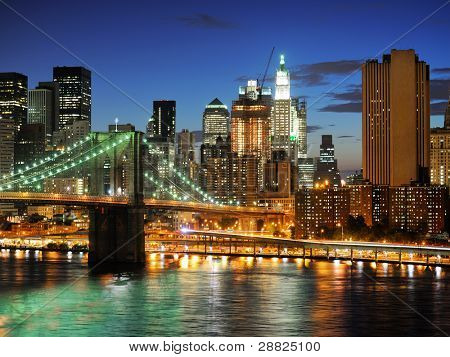 New york city Brooklyn bridge - downtown at night