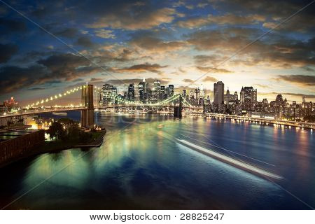 Amazing New York skyline - genomen na zonsondergang