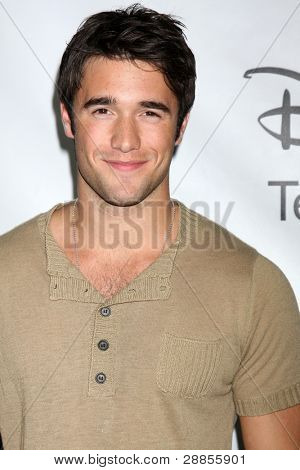 LOS ANGELES - JAN 10:  Josh Bowman arrives at the ABC TCA Party Winter 2012 at Langham Huntington Hotel on January 10, 2012 in Pasadena, CA