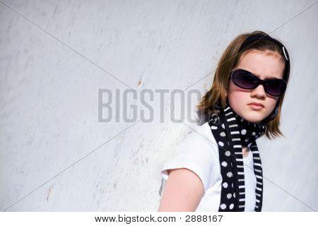 Sun-Scowling Tween