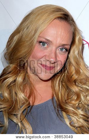 LOS ANGELES - OCT 29:  Nicole Sullivan arrives at the Casting Society of America Artios Awards at Beverly Hilton Hotel on October 29, 2012 in Beverly Hills, CA