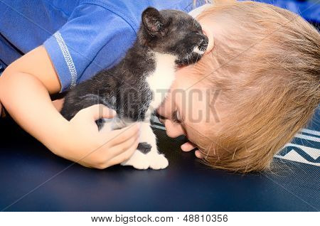 Kitty shares the secret with a little boy