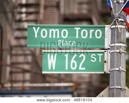 Yomo Toro Place Sign To Honor Legendary Musician