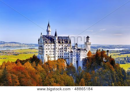 autumn view of the Neuschwanstein castle