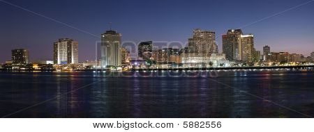 Panorama: New Orleans Skyline bei Nacht