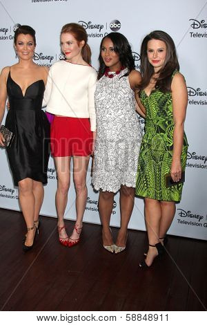 LOS ANGELES - JAN 17:  Bellamy Young, Darby Stanchfield, Kerry Washington, Katie Lowes aat the ABC TCA Winter 2014 at The Langham Huntington on January 17, 2014 in Pasadena, CA