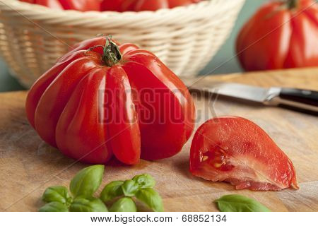 Sliced fresh Coeur de Boeuf Tomato