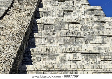 Close ups of the main Ziggurat