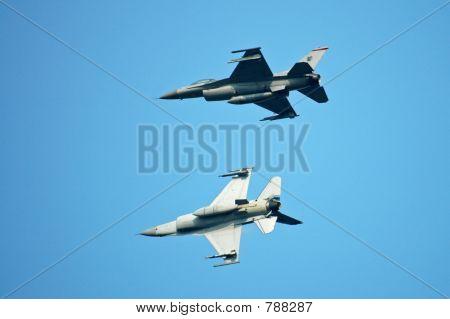 F16 fighter plane