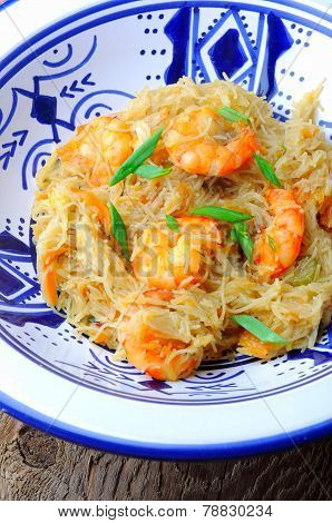 thai wok food with shrimps and spices