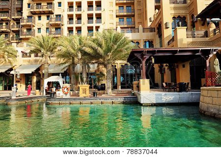 Dubai, Uae - September 9: View Of The Souk Madinat Jumeirah And Tourists Waiting For Abra Boat. Madi