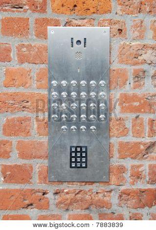 Intercomunicador campainha e código de acesso