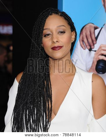 LOS ANGELES - NOV 20:  Tia Mowry arrives to the