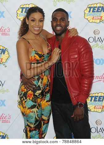 LOS ANGELES - AUG 10:  Jordin Sparks & Jason Derulo arrives to the Teen Choice Awards 2014  on August 10, 2014 in Los Angeles, CA.