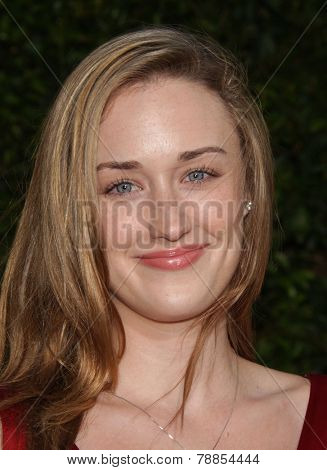 LOS ANGELES - AUG 09:  ASHLEY JOHNSON arrives to the